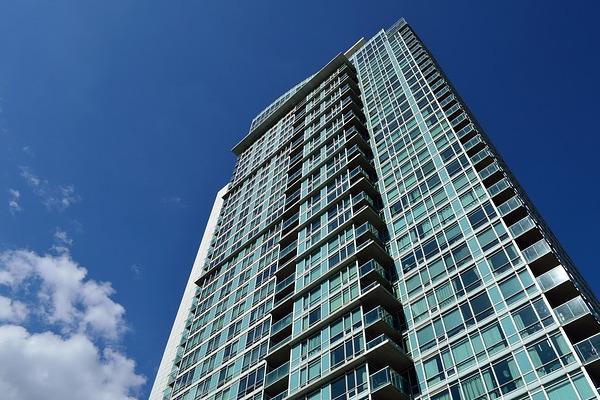 マンション高層階の住居は「避難」を念頭にした防災計画が重要に。